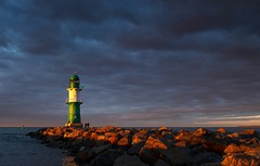 Spotlight (Petra R.) Tags: sunset sonnenuntergang leuchtturm lighthouse light licht warnemnde deutschland meer sea landscape landschaft blue