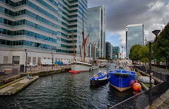 Docklands in Autumn October 2016 (6 of 8) (johnlinford) Tags: canarywharf canonefs1022 canoneos7d docklands e14 hdr london towerhamlets