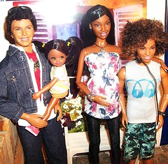 Say It With Flowers (Dia 777) Tags: family alan dolls chad ken desiree sis hms barbie2002 dia777 happyfamilyneighborhoodalan