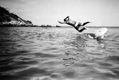 il bagno (Matteo Zannoni (a.k.a. M&bius)) Tags: summer bw white black film analog 35mm toycamera bn epson hp5 vivitar bianco ilford nero mariner filmphotography pellicola v330 filmisnotdead fotografiaanalogica