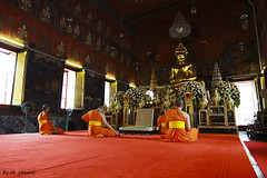 Chanting Shift, Wat Saket Thailand (ak_phuong (Tran Minh Phuong)) Tags: world life trip news art smile last wonderful wonder thailand for 1 book living pagoda perfect vietnamese photographer angle superb time sale bangkok pray praying great picture first style peaceful monk nobody super daily best sharp shelf phuong human cover thinking winner excellent land inside around about win capture wat sales saket ever cheap minh tran chant chanting thnking esea thinkking akphuong