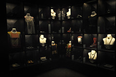 Fashion (Seeing Visions) Tags: hat fashion museum mxico dark glasses necklace clothing mexicocity shoes display jewelry exhibit blouse purse clutch accessories mx coyoacn museofridakahlo lacasaazul 2013 ciudadmxico raymondfujioka coloniadelcarmen