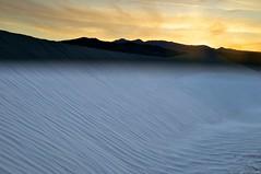 Yellow Sky over Mesquite Dunes (Ken'sKam) Tags: california sunset sand desert dunes dune deathvalley ripples geology desertsunset mesquitedunes afsdxvrzoomnikkor18200mmf3556gifedii