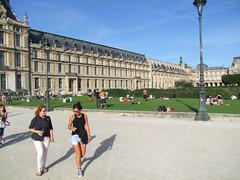 Louvre (Simon_K) Tags: paris france parisian francais parisien pariswander pariswanderblogspotcouk