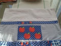 Panos de pratos (MELANCIA NO PALITO / Jacqueline Silva) Tags: maçãs canecas bules xícaras guardanapos fuxicos toalhadelavabo panosdepratos secamãos batemãos héxagonos