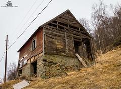 Rttent bygg (Jan-Roger Olsen) Tags: norway buildings harstad troms overskyet forfall byggninger byggning