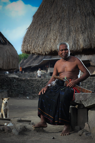 Old Man from Bena with traditional weapon