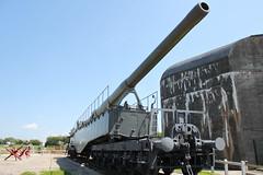 K5 rail gun (aitch tee) Tags: france museum railway weapon artillery fortifications defences k5 leopold 2014 pasdecalais atlanticwall railgun batterietodt artillerypiece holtstours