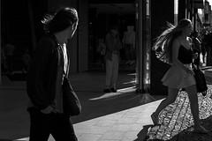 Wind in her hair (Olderhvit) Tags: street photography gothenburg streetphotography streetphoto goteborg fotografi streetpic gatufoto gatufotografi framingthestreet olderhvit