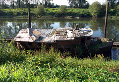 Old Junk Boat (Snappyandfunphotography) Tags: old abandoned boat junk