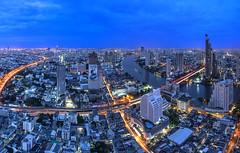TWB_5683 (xxtreme942) Tags: thailand cityscape bangkok bluehour chaophraya lighttrail statetowerbangkok lebuaatstatetower
