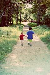 (Danno24) Tags: friends kids forest children brothers walk adorable maryland fortmeade holdhands brothersfriendsbestholdhandslovewalknaturesmilepalsforestmaryland