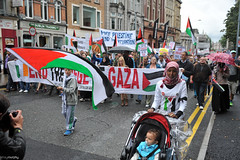 Gaza Protest, Dublin [02.08.14] (shaymurphy) Tags: ireland dublin irish israel war palestine protest demonstration v solidarity anti campaign boycott palstina gaza palestinian ipsc occupation hamas fatah bds   sanction divest palstina   gazy        gazassa palestiinan    gaz palestn   palestin duj palestinoje palestyny
