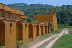 "Motel ""tres palos"" (emmanuel orbe) Tags: houses color green gold hotel motel oro arq"