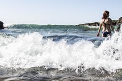 Olas en la costa (diegoperezabascal) Tags: sea seascape beach water girl landscape mar mujer agua women r
