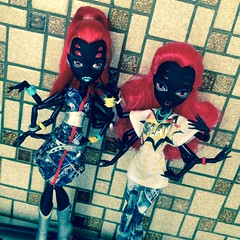 Black, white, red, green, every colors in between (MyMonsterHighWorld) Tags: 3 love fashion monster spider high doll heart mattel fakie i wydowna