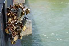 PAVIA COME A PONTE MILVIO... (Bruno Vigan) Tags: italy love italia ponte padlock pavia lucchetti dellamore coperto