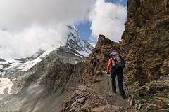 Monte vers le Cervin (trekmaniac-is-back) Tags: clouds suisse sunny top100 laurence valais top50 randonnee praborgne ete2014 schwartzseehrnlihutte