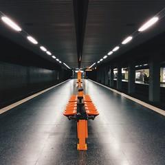 Markgrafenstraße (jpk.) Tags: iphone5s ©janphilipkopka ubahn dortmund unterirdisch unterwegs sonntags ifotografie vsco haltestelle stadtbahn spaziergang markgrafenstrase orange bank