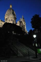 [Montmartre by Night] (fabien.nothias) Tags: street paris church night montmartre cathdrale sacrcoeur rue nuit glise