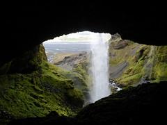 Dietro alla cascata (FabienClimb) Tags: water landscape waterfall iceland unknown rsmrk cascata rsmerkurvegur sticazzifoss