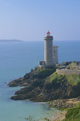 Lighthouse du petit minou, Brittany. (simond294) Tags: sea summer lighthouse seascape france nikon bretagne maritime cote phare bzh d3100