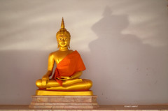 Buddha Image. (FIVE S.P.) Tags: light shadow sunlight thailand temple gold mirror buddha thai wat buddhaimage      kamphaengphet