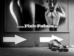 rise & fall (frank_hb) Tags: blackwhite bw black white schwarz weis contrast kontrast human mensch street streetphotography light shadow licht schatten