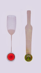 JUEGOS DE LUZ (sgsierra) Tags: botella copa luz linterna sombra color blanco verde rojo