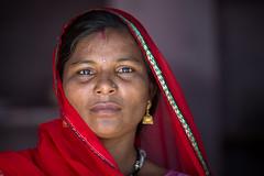 Inde: portrait  Jojawar (Rajasthan). (claude gourlay) Tags: inde india asie asia indedunord northindia claudegourlay portrait retrato ritratti face people woman femme jojawar rajasthan
