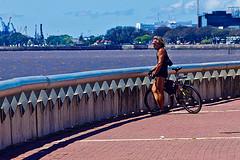 Le reste du cycliste (Wal CanonEOS) Tags: leresteducycliste eldescansodelciclista eldescanso ilrestodelciclista therestofthecyclist elciclista thecyclist lecycliste ilciclista rio river riodelaplata agua water man men bike bicicleta bici bicicletas bikes bicicletta bicis bicicletasestacionadas biciclettas bicycle biciparlare bicireposando bikeresting argentina argentinabsas bsas buenosaires caba capitalfederal ciudadautonoma ciudaddebuenosaires nuez parquedelamemoria colores color colors costanera costaneranorte flickr foto fotografia fotocallejera flickrargentina photo photography alairelibre airelibre canon eos rebelt3 canoneosrebelt3 calle callejeando calles street streets strange candidstreet candid dia day peoples people gente