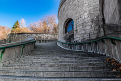 ZigZag (FreeManFreeWorld) Tags: stairs montreal mtl freemanfreeworld oratory elevation high hauteur escaliers canada monument