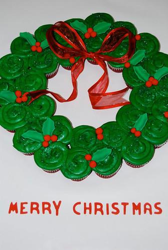 382-polkatots cupcake cakes