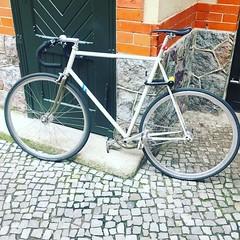 #berlincycles #follow #bike #berlin #fixie #rennrad #street #cycling #bicycle #fixedgear #velo #race #love #bicyclist (BERLIN CYCLES) Tags: berlin berlincycles speedbikes fixies hipster fixedgear