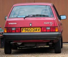 F960 DAV (Nivek.Old.Gold) Tags: volvo 340 gl 17 5door harstonmotors
