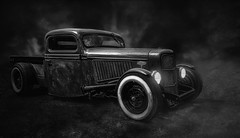 Ford Pick Up (ellen-ow) Tags: amicar auto ford hotrods kustomkulture oldtimer pickup ratrod blackandwhite schwarzweis verkehr car ellenow