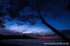 Twilight over Playa Matapalo (wellsie82) Tags: 6d americas costarica guanacaste gulfofpapagayo hotelriuguanacaste jasonwells latinamerica nicoyapeninsula pacificocean pacificslope republicofcostarica riu riuguanacaste beach bluesky branch canon centralamerica coast coastline eos holiday hotel jasonwellscouk landscape landscapeformat leaves nopeople ocean outdoors resort rural sand sea seascape shore silhouette sky travel tree twilight vacation water waves wellsie82 westernhemisphere wwwjasonwellscouk