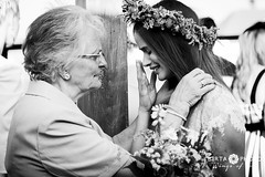 wings of love - wedding photo (Endre Birta) Tags: bestphotographer viennaphotography preweddingphotography lovephotography wien ceremony portfolio blackwhite candid weddings riszentpter rsg