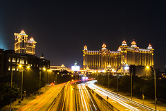 20161205-DSC_3580.jpg (r-englund) Tags: night lighttrails casino longexposure macau traffic taipa mo