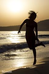 Salto libre - Playa de Bolonia - Tarifa (DGrimaldi) Tags: sunset sea espaa david beach canon contraluz atardecer mar model playa andalucia modelo salto cdiz bolonia franco tarifa grimaldi 550d 70300mmf456isusm dgrimaldi