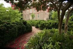 Garden Path (William & Mary Photos) Tags: summer college campus virginia mary william va williamsburg williamandmary