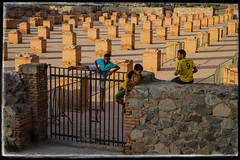 Marrakesh-Medina-mosque-boys1as (dristis-mudra) Tags: morroco maroc marrakech marrakeche boysandmosque