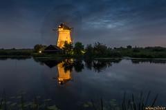 Floodlights in Kinderdijk 2014 (3) (Wim Boon Fotografie) Tags: winter holland netherlands nederland kinderdijk alblasserwaard canon1740f4l alblasserdam wimzilver wimboon canoneosmark5diii