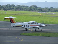 D-EKHW Piper 28 Turbo Arrow IV (Aircaft @ Gloucestershire Airport By James) Tags: james airport gloucestershire turbo arrow 28 piper iv lloyds egbj dekhw