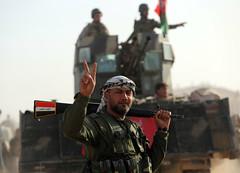 Paramilitares iraques lanzan operacin contra el EI al oeste de Mosul (Seal Informativa) Tags: mena conflicts topshots horizontal qaryatassalmn iraq