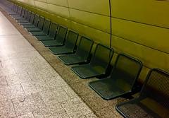 Have a Seat (XoMEoX) Tags: seat ubahn underground metro munich mnchen stachus seats sitze sitz wartebereich iphone iphone6 green grn gitter grid warten bahnsteig station platform mvv mvg reihe row shadow schatten