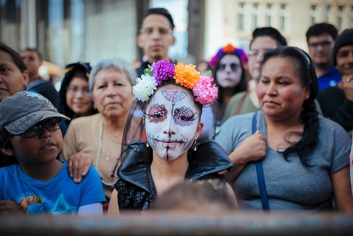 While waiting for the #catrinafest to kickoff yesterday. #photography #streetportrait #cdmx #ciudaddemexico #mexico #mexicocity #catrina #catrinamakeup #lacatrinafestmx
