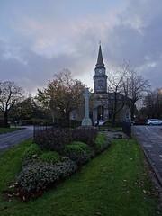 Cross (Bricheno) Tags: bricheno scotland escocia schottland cosse scozia esccia szkocja scoia    lochwinnoch church memorial warmemorial harveysquare churchofscotland