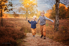 Running together (kim groenendal) Tags: autumn together brothers children childphotography child netherlands herfst kinderfotografie trees family broertjes rennen running kinderen canon outdoor fun happy