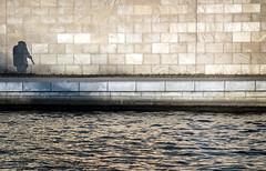 Music (thewhitewolf72) Tags: spreebogen berlin musiker schatten spree moabit regierungsviertel musik klarinette fluss wasser ufer promenade mauer strasenmusiker